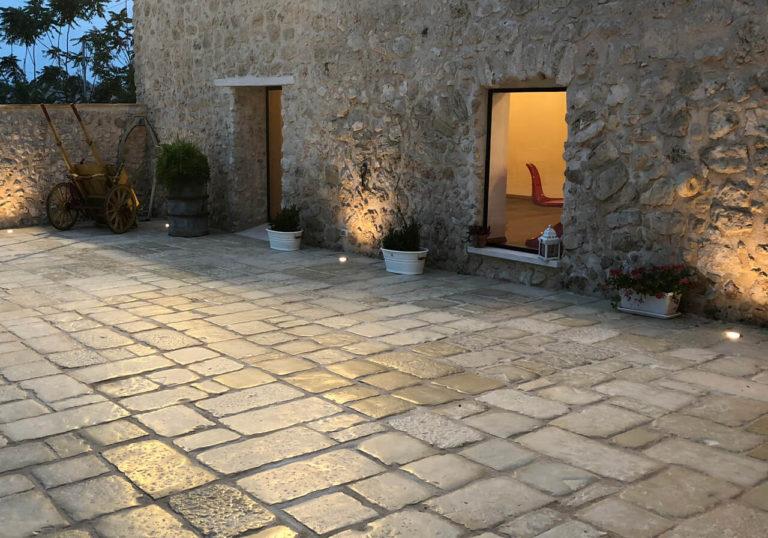 vecchio basolato Pavimento in pietra ricostruita