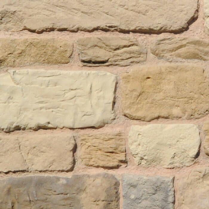 parete con mattoncini in pietra