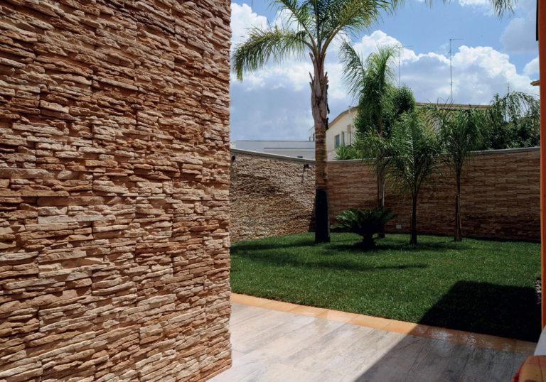 Muro esterno effetto pietra e mattoncini