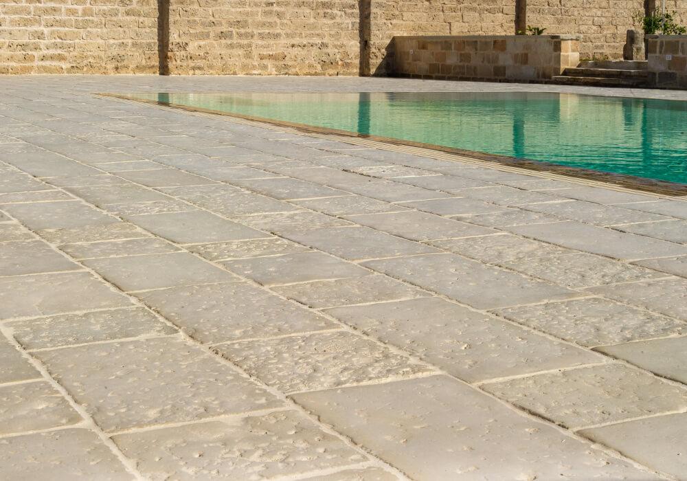 pietra primiceri manufatti masseria badessa pavimento vecchie corti e griglia